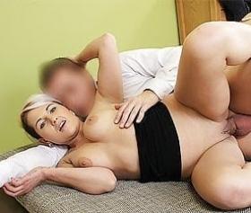 Mamma matura ottiene il fidanzato di sua figlia